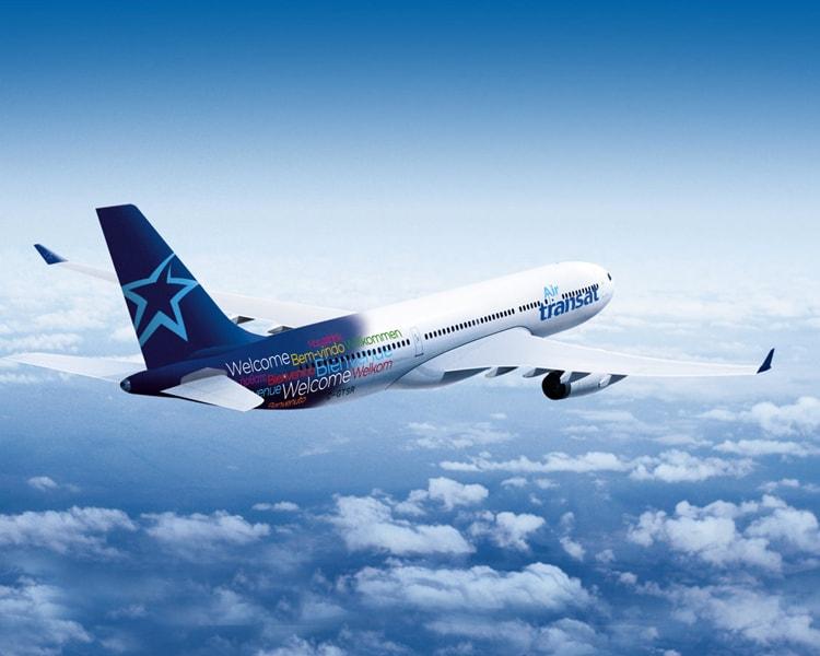 air transat plane in flight