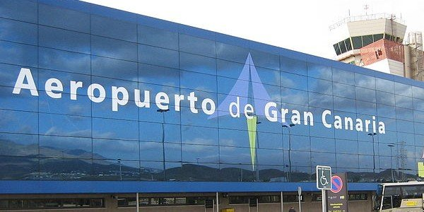 Outside the front of Gran Canaria Airport