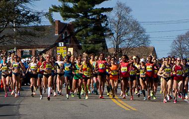 people running in boston marathon