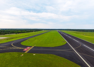 image of the one tarmac runway at GTR