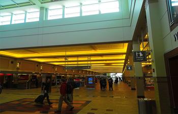 Madison_Dane_County_Regional_Airport_terminal