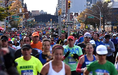 people running in new york marathon