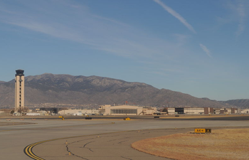 albuquerque_airport_runway