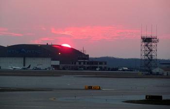 cleveland_hopkins_international_airport_runway