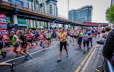 london marathon people running