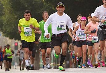 people running in los angeles marathon