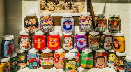 nutella jars in window display